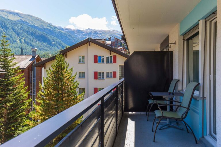 budget_apartments_zermatt_haus_theodul_306_balcony_010