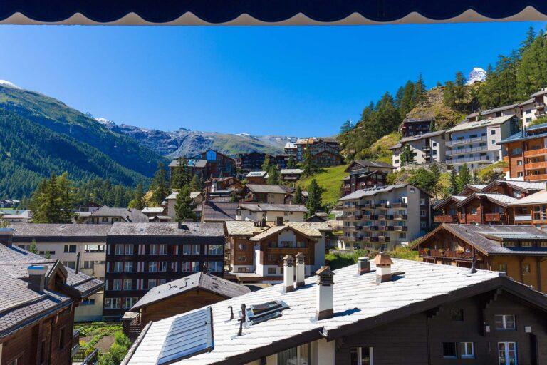 budget_apartments_zermatt_haus_theodul_403_balcony_010