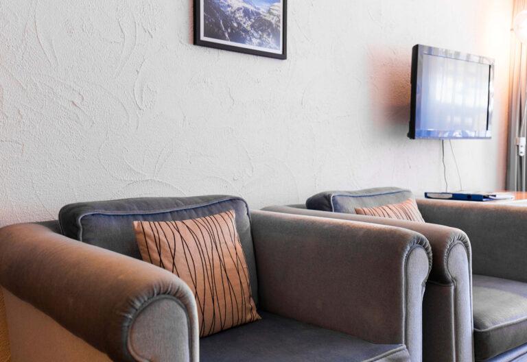 budget_apartments_zermatt_haus_theodul_403_living_013