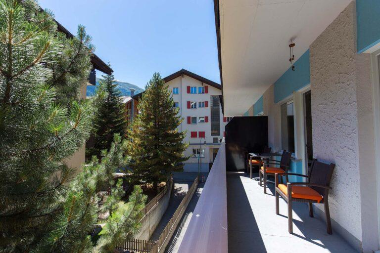 haus_theodul_zermatt_budget_apartments_106_balcony