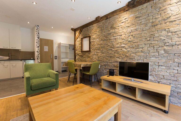 haus_theodul_zermatt_budget_apartments_106_living_011
