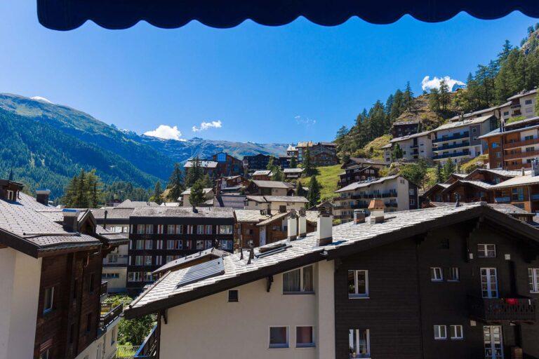 haus_theodul_zermatt_budget_apartments_303_balcony_010