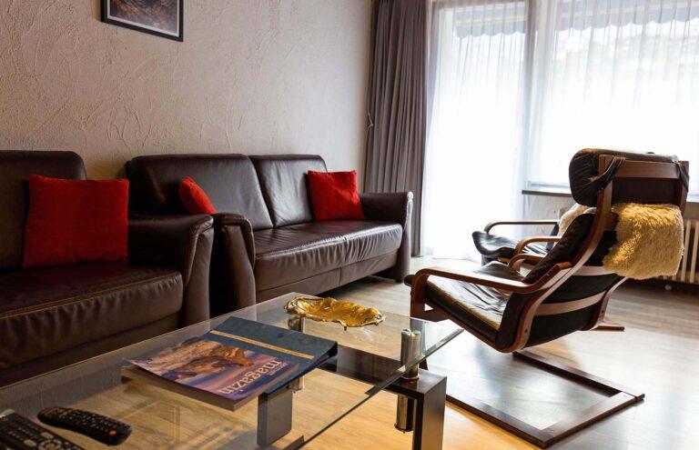 haus_theodul_zermatt_budget_apartments_404_living_012