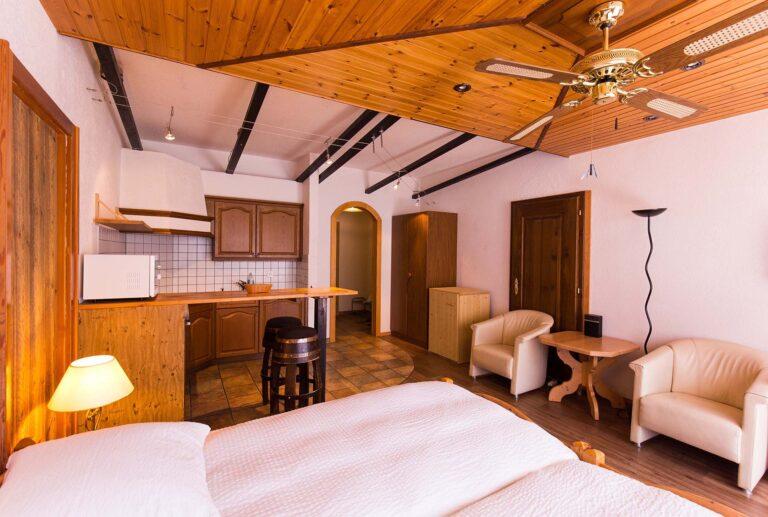 haus_theodul_zermatt_budget_apartments_parterre_living_011