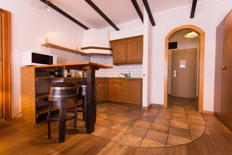 haus_theodul_zermatt_budget_apartments_parterre_living_013